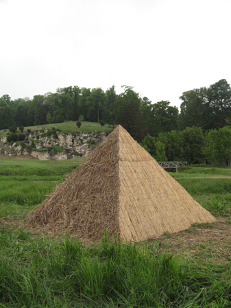 http://laurentledeunff.fr/files/gimgs/190_pyramides7.jpg